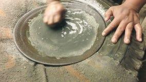 Le processus de cuisson d'or du mien a extrait le minerai banque de vidéos