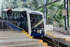 Le prochain monorail pour prennent des touristes jusqu'au dessus de la colline de Penang chez George Town Penang, Malaisie Photographie stock