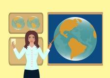 Le professeur montre un indicateur à la carte du globe Photos stock