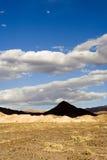 Le projectile d'une pyramide a formé la montagne dans Death Valley photographie stock