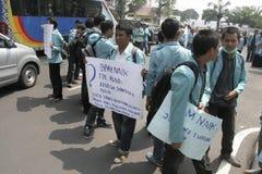 le proteste dello studente rifiutano l'aumento dei prezzi del combustibile Immagini Stock