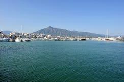 Le Puerto célèbre Banus à Marbella, Costa del Sol, Espagne Photo stock