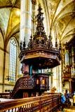 Le pupitre richement découpé, le travail d'Adam Straes van Weilborch dans l'église de St Michael dans Zwolle image libre de droits