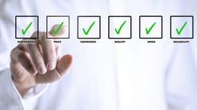 Le putting green de main signe des boîtes d'écran tactile photo libre de droits