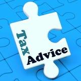 Le puzzle de conseil d'impôts montre l'aide de l'imposition IRS Photo libre de droits