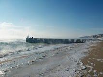 le quai côtier d'aviv oscille l'hiver de téléphone de mer flânez photographie stock