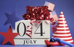 Le quatrième de la célébration de juillet, sauvent le calendrier de bloc blanc de date Photos libres de droits