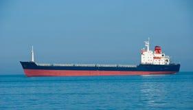 Le récipient industriel - le bateau de sec-cargaison Image libre de droits