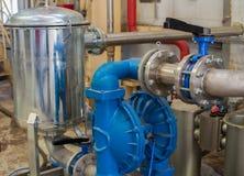 Le réseau de pipe-lines sur la base de la pompe à diaphragme images libres de droits