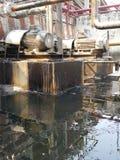 Le réservoir de la soute c de stockage à l'intérieur de la salle d'huile usagée, et ce réservoir étaient également passionnés par photographie stock