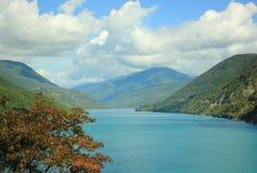 Le réservoir de Zhinvali (la Géorgie) Image stock