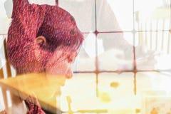 Le résumé blured de la double exposition du long beau asiatique de jeunes de cheveux Photographie stock