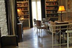 le Rétro-type a décoré la pièce avec ambiant relaxed Photographie stock libre de droits