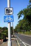 Le R-U, signe de circulation routière Image stock