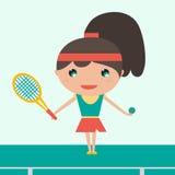 Le racket och bollen för ung tennisspelare för idrottskvinna hållande Gladlynt kvinna som spelar tennis bakgrunds- och färgbrosch Arkivfoto