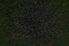 Le radial naturel d'explosion de bourdonnement de lentille a brouillé les points pourpres verts cyan sur le fond noir images libres de droits