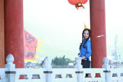 Le ragazze cinesi asiatiche indossano i vestiti dello studente in Repubblica Cinese Fotografie Stock Libere da Diritti
