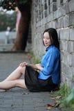 Le ragazze cinesi asiatiche indossano i vestiti dello studente in Repubblica Cinese Immagini Stock Libere da Diritti