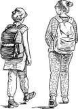 Le ragazze della scuola vanno a fare una passeggiata Fotografie Stock Libere da Diritti
