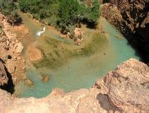 Le regroupement de la cascade à écriture ligne par ligne, Arizona photographie stock libre de droits