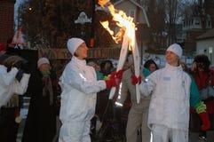 Le relais olympique de torche, Georgetown, côtes de Halton Photos stock
