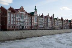 Le remblai de Bruges à Iochkar-Ola Photos libres de droits