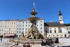Le Residenzbrunnen à Salzbourg, Autriche photos libres de droits