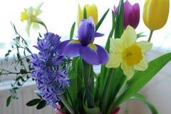 Le ressort coloré fleurit le bouquet images stock