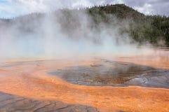 Le ressort prismatique grand de renommée mondiale dans Yellowstone Images libres de droits