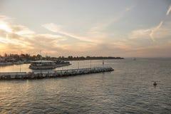 Le restaurant à la marina Image libre de droits
