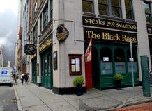 Le restaurant irlandais célèbre, le noir Rose, s'ouvrent pour des affaires, Boston du centre, la masse, 2014 Photo stock