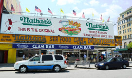 Le restaurant original de Nathan s chez Coney Island, New York Image stock