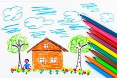 Le retrait et les crayons lecteurs de l'enfant Images libres de droits