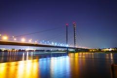 Le Rhin la nuit Photo stock