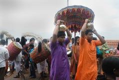 Le rituel de Kolabau au fleuve Ganga Photographie stock libre de droits