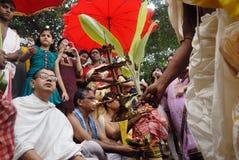 Le rituel de Kolabau au fleuve Ganga Images stock