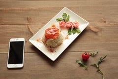Le riz cubain de style d'un plat blanc a prolongé Image libre de droits