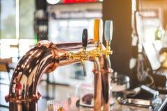 Le robinet de bière photographie stock