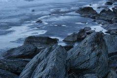 Le rocce dal mare immagini stock libere da diritti