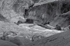 Le rocce e le pietre colourful gialle, allunano, paesaggio Leh, Jammu Kashmir, India del ladakh Fotografia Stock