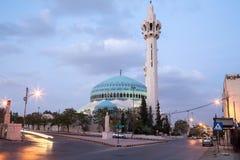 Le Roi Abdullah Mosque la nuit à Amman, Jordanie Photographie stock