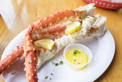 Le Roi d'Alaska cuit Crab Legs photos libres de droits