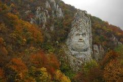 Le Roi Decebalus dans les couleurs 2 d'automne photos libres de droits