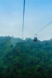 Le Ropeway de lac moon de The Sun est un service scénique de funiculaire de gondole Image libre de droits