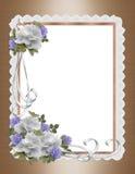 Le rose, il raso ed il merletto delimitano l'invito di cerimonia nuziale Immagini Stock Libere da Diritti