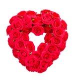 Le rose rosse nella forma del cuore isolate includono il percorso Fotografie Stock Libere da Diritti