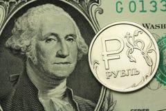Le rouble russe et le fond de dollar US Images libres de droits