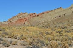 Le rouge bascule la montagne la Californie de pente de canyon Image libre de droits