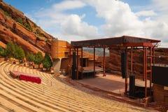 Le rouge célèbre bascule l'amphithéâtre à Denver Photographie stock