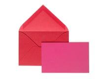Le rouge enveloppent avec la carte de voeux Images libres de droits